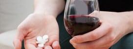 Alcohol en medicijnen: wat mag en wanneer is het af te raden?