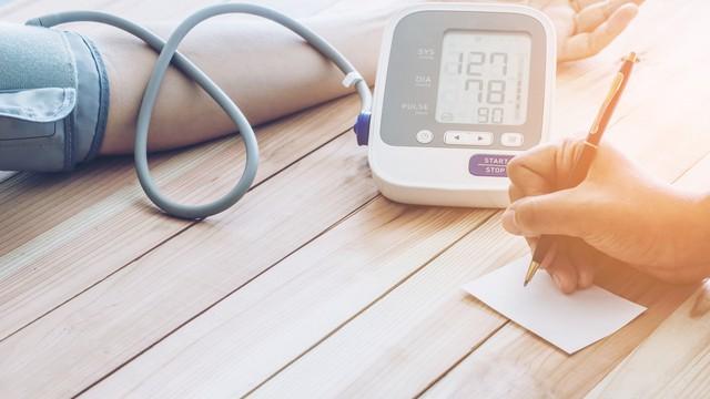 noteren waardes bloeddruk
