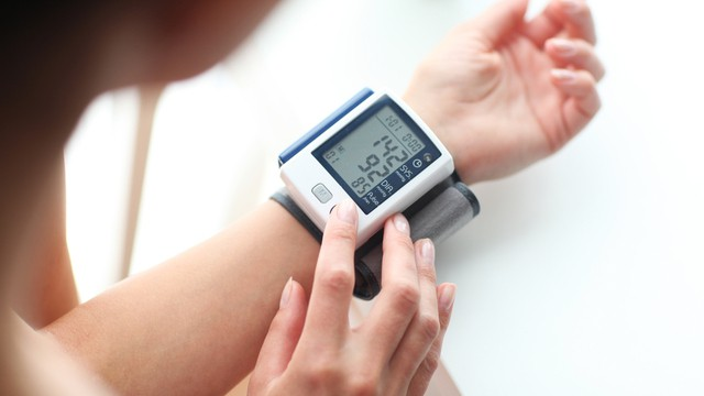 tensiomètre au poignet
