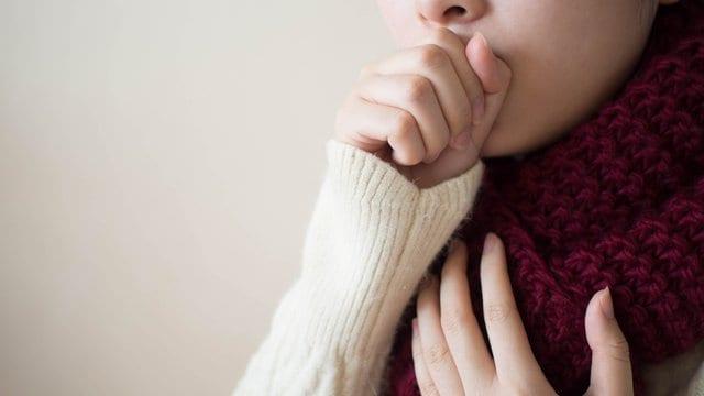hoesten bij longonsteking