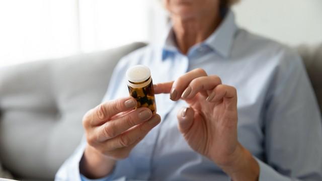 étiquette sur le médicament